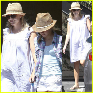 Reese Witherspoon & Ava: Girls' Day Out!