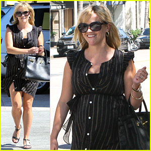 Reese Witherspoon: Bouchon Baby Bump in Beverly Hills