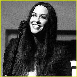 Alanis Morissette: Album Listening Party!