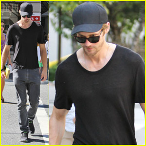 Alexander Skarsgard: Saturday at the Movies!