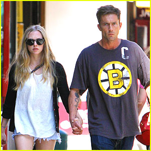 Amanda Seyfried &#038; Desmond Harrington Hold Hands in NYC!