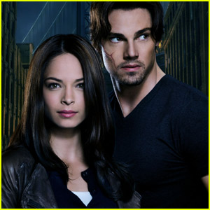 Kristin Kreuk & Jay Ryan: 'Beauty & the Beast' Stills!