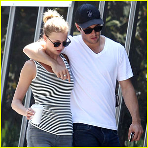 Emily Vancamp Bio Husband Is She Married or Engaged To Joshua Bowman
