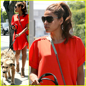 Eva Mendes Walks Ryan Gosling's Dog George!