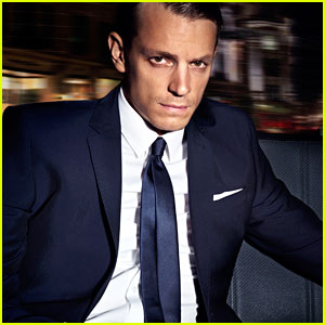 Joel Kinnaman: H&#038;M's New Menswear Face!