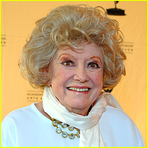 Legendary Comedian Phyllis Diller Dead at 95