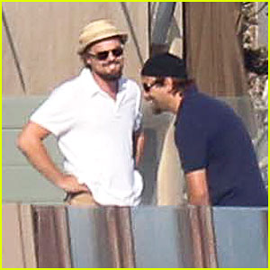 Leonardo DiCaprio: Malibu Beach House with Pals!