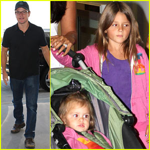 Matt Damon: Flight with the Family!