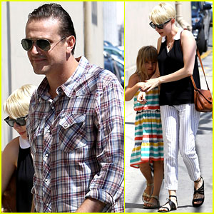 Michelle Williams & Jason Segel: Afternoon with Matilda!