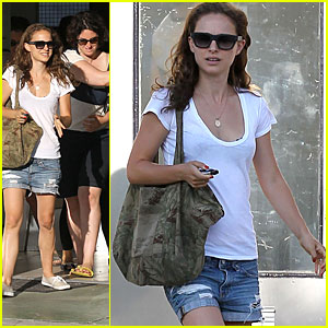 Natalie Portman: Obama Campaign Supporter!