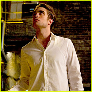 Robert Pattinson: New 'Cosmopolis' Stills!