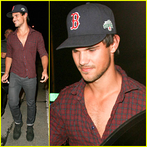 Taylor Lautner: Boston Red Sox Fan!