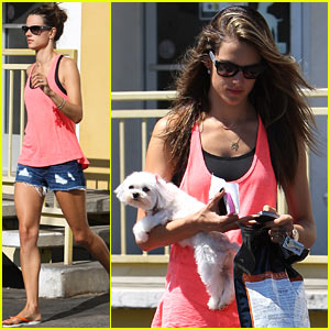 Alessandra Ambrosio: Juggling Act!