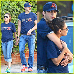Ashton Kutcher & Mila Kunis: Chicago Bears Couple!