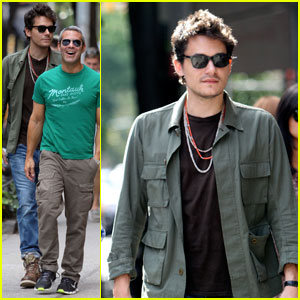 John Mayer: SoHo Outing with Andy Cohen!