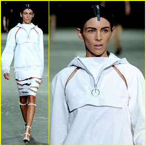 Liberty Ross: Alexander Wang Runway