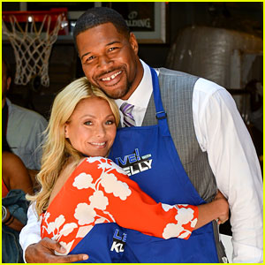 Michael Strahan: Kelly Ripa's Official New 'Live' Co-Host!