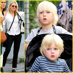 Naomi Watts: Big Apple Outing with Sasha & Samuel!