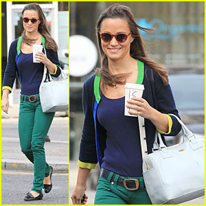 Pippa Middleton: Coffee Run in Chelsea!