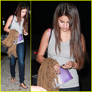 Selena Gomez: 'The Secret to Love That Lasts' Reader!