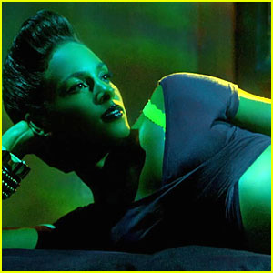 Alicia Keys: 'Girl on Fire' Music Video - Watch Now!
