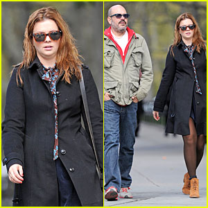 Amber Tamblyn &#038; David Cross: Post-Wedding Stroll!