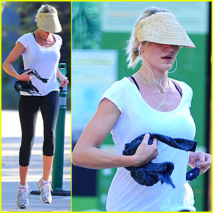 Cameron Diaz: Visored Jog in the Hills!
