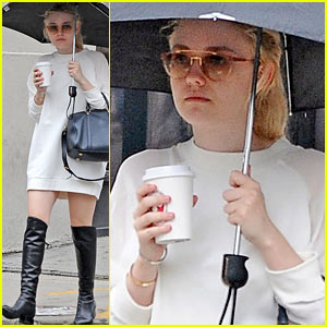 Dakota Fanning: Rainy Day Coffee Run!