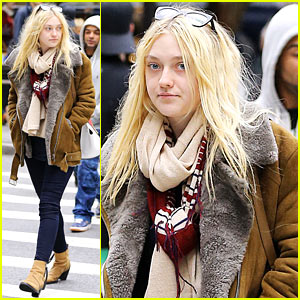 Dakota Fanning Shops in Soho!