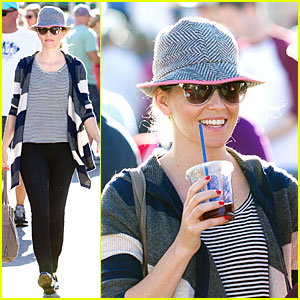 Elizabeth Banks: 'Walk of Shame' Star!