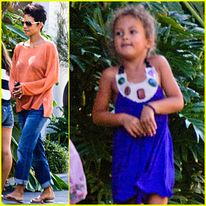 Halle Berry: Nahla Drives an Escalade!