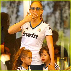 Jennifer Lopez, Max, & Emme: Hola Madrid!