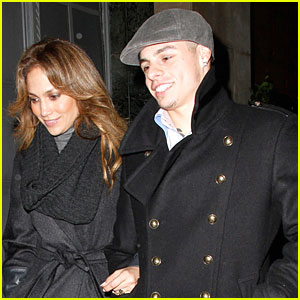 Jennifer Lopez & Casper Smart: MJ Show Spectators!