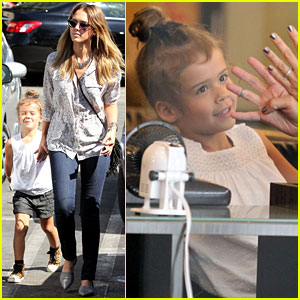 Jessica Alba: Mommy & Me Manicures with Honor!