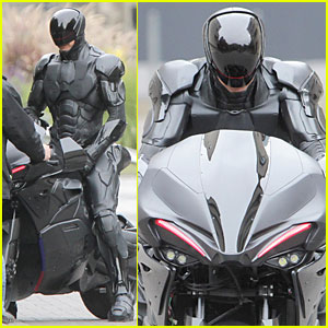 Joel Kinnaman: Robocop's Motorcycle Revealed!