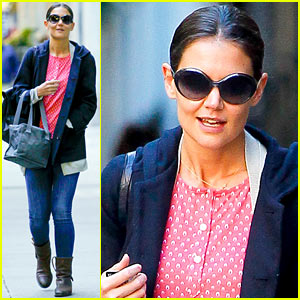 Katie Holmes: Early Morning Strol