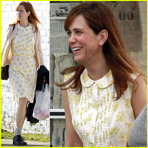 Kristen Wiig: First Look at 'Hateship, Friendship'!