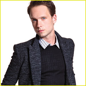 Patrick J. Adams Suits 'Da Man'!