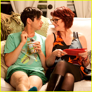 Paul Iacono & Megan Mullally: 'G.B.F.' First Look!