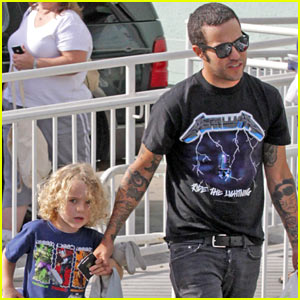 Pete Wentz: Petco Stop with Bronx!