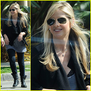 Sarah Michelle Gellar: Post-Baby Outing!