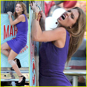 AnnaLynne McCord: '90210' Taco Truck Action Scene!