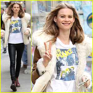 Behati Prinsloo: 'Hawaii Five-O' Guest Star!