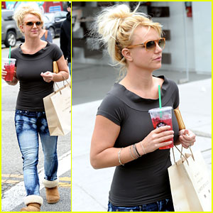 Britney Spears: Pre-'X Factor' Starbucks Stop