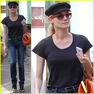 Diane Kruger: Holiday Shopping at The Grove!