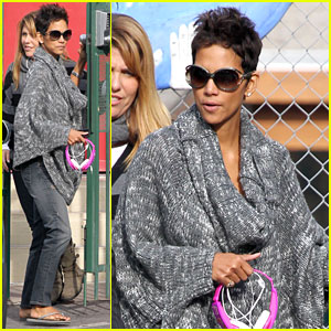 Halle Berry Drops Nahla Off at School