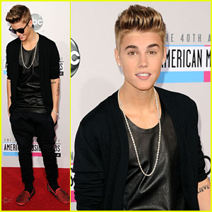 Justin Bieber - AMAs' Favorite Pop/Rock Male Artist!