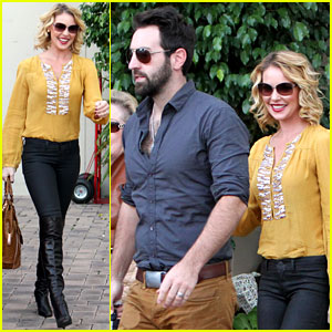 Katherine Heigl: Birthday Lunch with Josh Kelley & Mom Nancy!