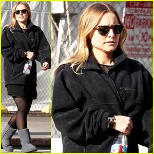 Kristen Bell: Baby Bump Cover Up on 'House of Lies' Set!