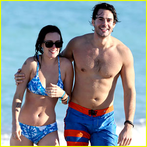 Rumer Willis & Jayson Blair: Miami Beach Besos!